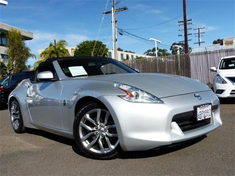 Pre-Owned 2011 Nissan 370Z Base RWD 2D Convertible